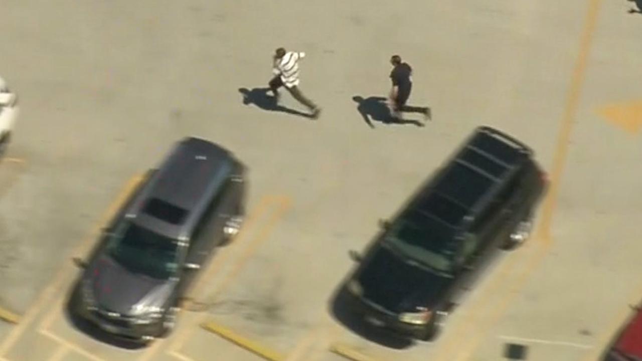 Agenten tackelen man na achtervolging in Los Angeles