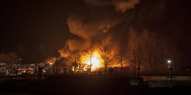 Pand van transportbedrijf in Duiven uitgebrand