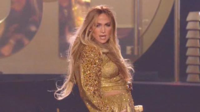 Jennifer Lopez zingt medley van al haar hits op MTV VMA's
