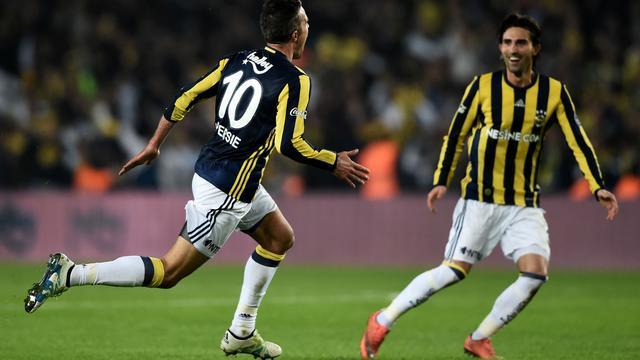 Van Persie zegt dat droom uitkomt na heldenrol in Turkse topper
