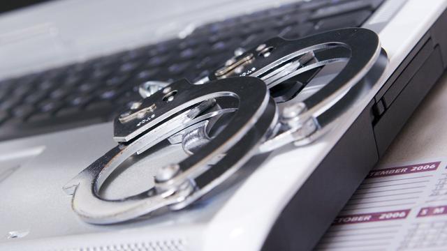 Winkelier niet aansprakelijk voor piraterij via gratis wifi