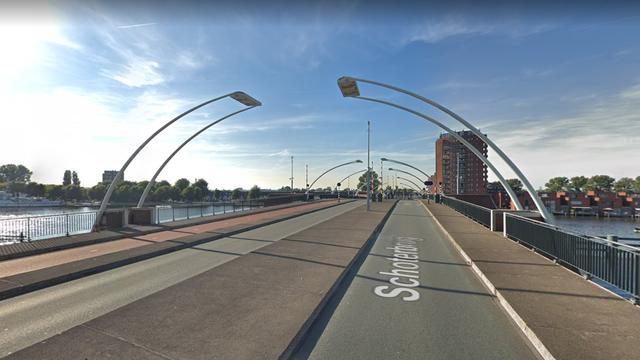 Schoterbrug in Haarlem weer open na storing