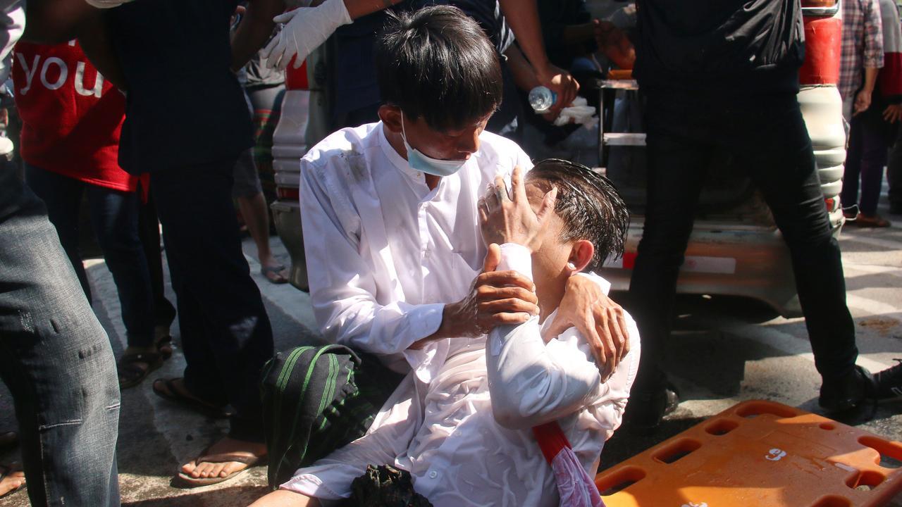 Vier mensen neergeschoten bij protest tegen staatsgreep Myanmar - NU.nl